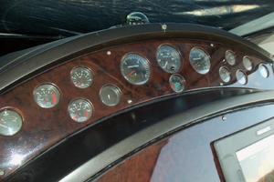 53' Sunseeker Portofino 53 2006 Analog gauges