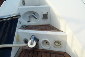 53' Sunseeker Portofino 53 2006 Shower and shore cord