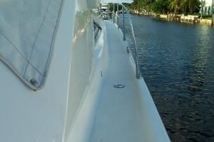 53' Sunseeker Portofino 53 2006 Side deck