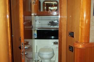 53' Sunseeker Portofino 53 2006 Guest head salon access