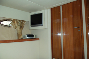 53' Sunseeker Portofino 53 2006 Port aft cabin looking fwd