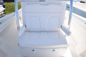 Outta Line is a Regulator 31 Yacht For Sale in Virginia Beach--13
