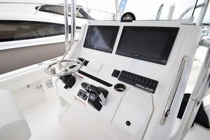 Outta Line is a Regulator 31 Yacht For Sale in Virginia Beach--49