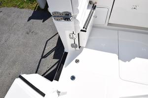 Outta Line is a Regulator 31 Yacht For Sale in Virginia Beach--28