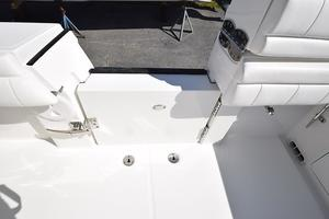 Outta Line is a Regulator 31 Yacht For Sale in Virginia Beach--30