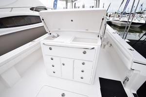 Outta Line is a Regulator 31 Yacht For Sale in Virginia Beach--48
