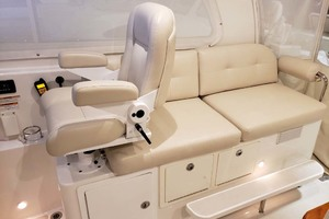 Helm Seat And Starboard Seating