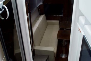 44' Four Winns H440 2015 Cabin Entry