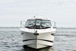 44' Four Winns H440 2015 Bow