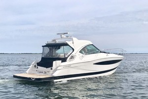 44' Four Winns H440 2015 Profile