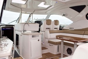 44' Four Winns H440 2015 Deck Layout