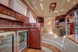 52' Sea Ray 52 Sedan Bridge 2007 Galley & Salon