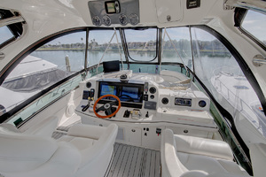 52' Sea Ray 52 Sedan Bridge 2007 Helm