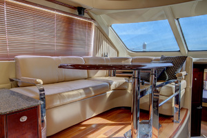52' Sea Ray 52 Sedan Bridge 2007 DInette