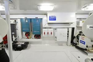 48' Viking 48 Convertible  2003 Engine Room