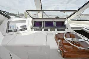 52' Viking 52 Open 2009 Helm Station