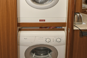 52' Viking 52 Open 2009 Washer/Dryer
