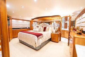 100' Hatteras 100 Motor Yacht 2005