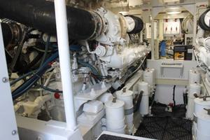 52' Viking 52 Convertible 2002 Engine Room