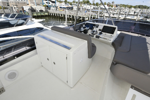 56' Prestige 56 Flybridge  2017 Helm Station