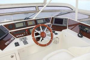 65' Marquis 65 Motor Yacht Skylounge 2006 Helm Station