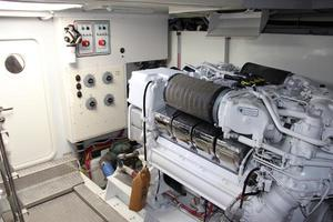 65' Marquis 65 Motor Yacht Skylounge 2006 Engine Room