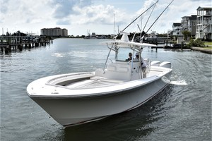 Reel Dirty is a Regulator 34SS Center Console Yacht For Sale in Beaufort--34