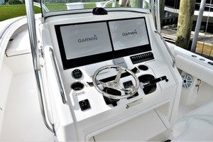 Reel Dirty is a Regulator 34SS Center Console Yacht For Sale in Beaufort--13