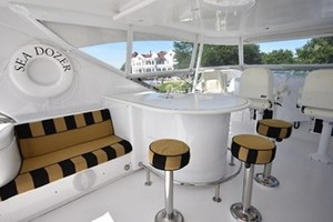 SEA DOZER is a Hatteras 80 Motoryacht Yacht For Sale in Jupiter--41