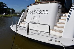 SEA DOZER is a Hatteras 80 Motoryacht Yacht For Sale in Jupiter--10