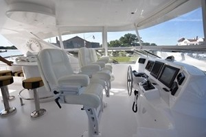 SEA DOZER is a Hatteras 80 Motoryacht Yacht For Sale in Jupiter--40