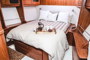66' Gorbon Custom 1997 GUEST STATEROOM