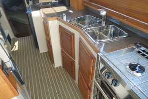 31' Ranger Tugs 31 Sedan 2017   GALLEY
