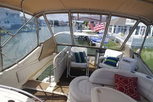 46' Maxum 46 Scb 2001 Flybridge Aft Seating