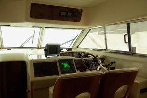 46' Viking 46 Flybridge Yacht 1999 Lower Helm