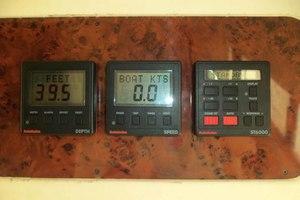 46' Viking 46 Flybridge Yacht 1999 Autohelm gauges