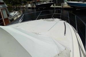46' Viking 46 Flybridge Yacht 1999 Bow