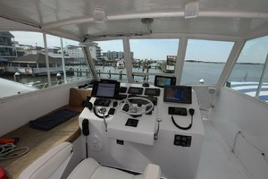 50' Henriques 50 Enclosed Bridge Convertible 2004