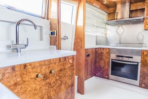 82' Astondoa 82 Glx 2006  Galley