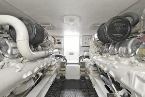 47' Viking 47 Convertible 1997 Engine Room
