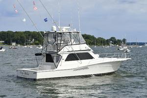 47' Viking 47 Convertible 1997 Starboard Stern
