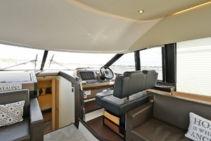 50' Prestige 500 Flybridge 2017 Lower Helm Station