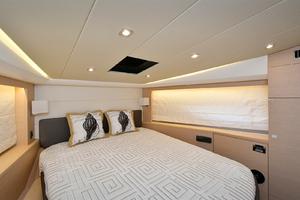 50' Prestige 500 Flybridge 2017 VIP Stateroom