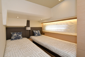50' Prestige 500 Flybridge 2017 Guest Stateroom