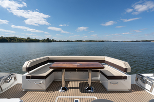 60' Cruisers Yachts 60 Cantius 2017 Cockpit