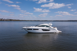 60' Cruisers Yachts 60 Cantius 2017 Port profile 4