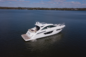 60' Cruisers Yachts 60 Cantius 2017 STBD quarter profile