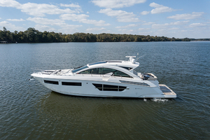 60' Cruisers Yachts 60 Cantius 2017 Port profile 2
