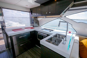 60' Cruisers Yachts 60 Cantius 2017 Galley