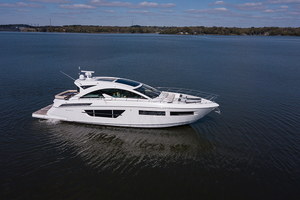 60' Cruisers Yachts 60 Cantius 2017 STBD profile